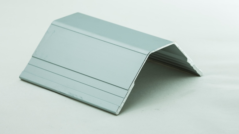 StyroTRIM-LGE Wall Capping